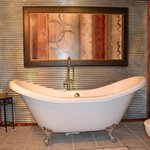  VICTORY WHIRLPOOL DOUBLE SLIPPER TUB