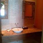  dark byt pretty powder room