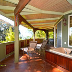  Large Covered Lanai with Soaking Tub for Two