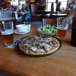 Pizza and Beer, Mmm