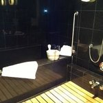 Japanese bath in Imperial Suite