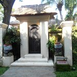  Villa entrance