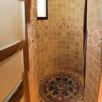 """shower tower"" of ""Balzac's Library"""