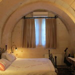 Double bedroom in the cave, modern & comfortable