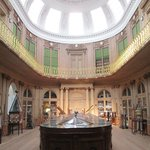  Oval hall with fabulous geology collection