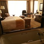  King Doubletree Guest Room