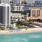 ‪Doubletree by Hilton Ocean Point Resort & Spa - North Miami Beach‬