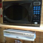  Microwave with radio thingy