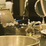  Baglioni Hotel London Bathroom Detail