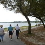  Navy Pointe trail and beach - pet friendly