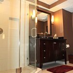 King Bed Suite Bathroom