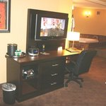 Crowne Plaza Little Rock Hotel Hot Tub Suite