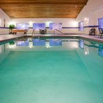 CountryInn&Suites EastTroy  Pool
