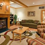 CountryInn&Suites Bloomington Lobby