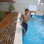  En la piscina