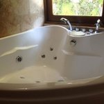 Great jacuzzi,only took 15mins to fill!