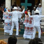  Dancing in Merida