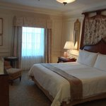 Grand Manor Room (1207)
