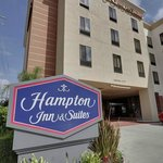 Photo de Hampton Inn & Suites Los Angeles/Sherman Oaks