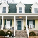 Hilltop Hideaway Bed and Breakfast r