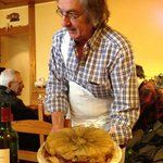 Jordi Sala, the owner, holding an endive tatin