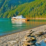  Guests arrive on Fox Island from Sewward via Kenai Fjords Tours