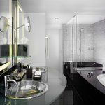  Bathroom presidential suite