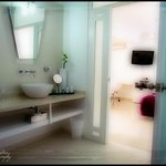 bathroom suite #1