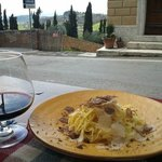  tagliolini al tartufo con vino Val d&#39;Orcia