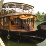 "The 2 bedroom houseboat ""Ginger"""