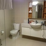  Bathroom with large wet area