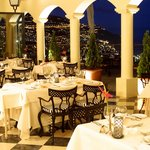 La Belle Terrasse Restaurant - Colonial Room