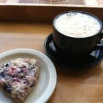 triple berry scone & chai latte