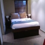  bedroom with ensuit to left of pic