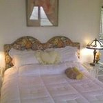 Tropical Garden Suite (Top floor) Queen size bed and queen size futon.