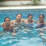  con las amigas en el hotel corita