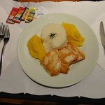  Fil de frango grelhado com pur de mandioquinha (servio de quarto)