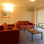 Paramount Serviced Apartments resmi