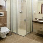  Standard Rooms - Bathroom