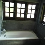  Verandah Suite 1 - bathroom