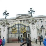  The queen is a neighbor! Buckingham Palace is a short walk away.