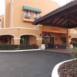FL Hotel and Suites Maingate East
