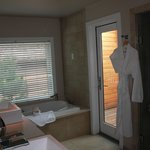 gorgeous bathroom with outdoor shower