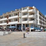 Front of the Edificio Albufeira Apartments