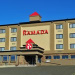 Front entrance of Ramada Hotel Williams Lake