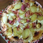  Yukon potato and prosciutto small pizza