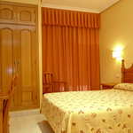  Habitacin doble 1 2 camas Hostal Toledo