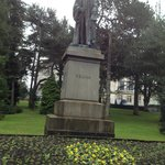  Statue of Kelvin