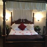  Appledore suite bedroom