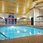  CountryInn&amp;Suites Dubuque  Pool